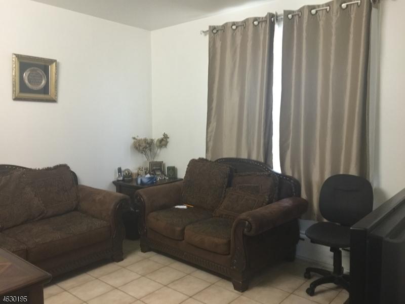 Additional photo for property listing at 12 Planten Avenue  Haledon, Нью-Джерси 07508 Соединенные Штаты