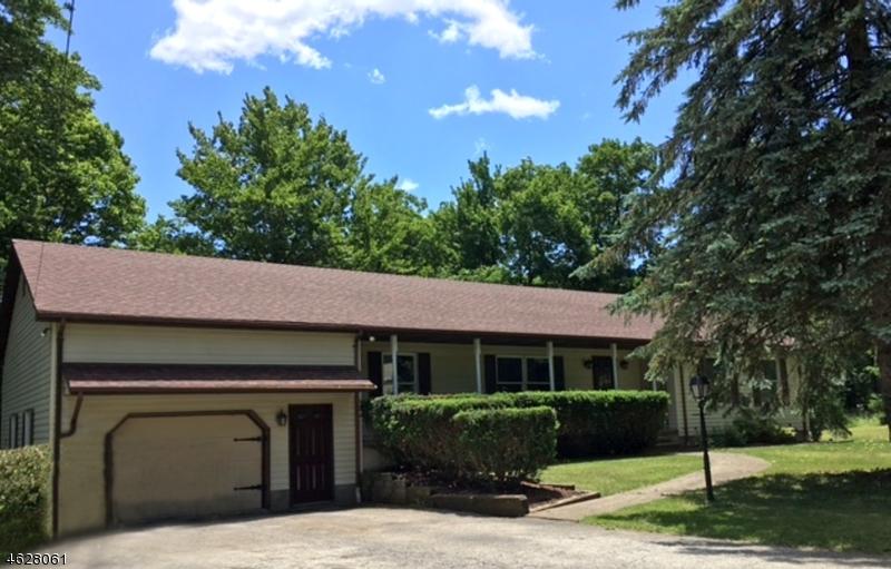 独户住宅 为 销售 在 415 DIGGLES PLACE 弗农, 新泽西州 07462 美国