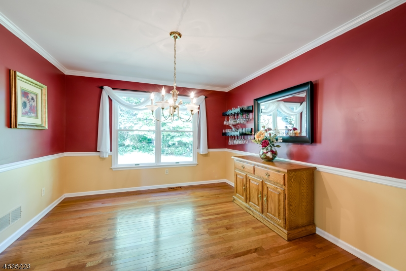 Additional photo for property listing at 15 Saint Andrews Drive  Washington, New Jersey 07882 États-Unis