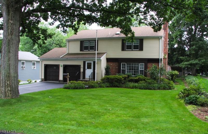 Частный односемейный дом для того Продажа на 230 Nottingham Road Ramsey, Нью-Джерси 07446 Соединенные Штаты