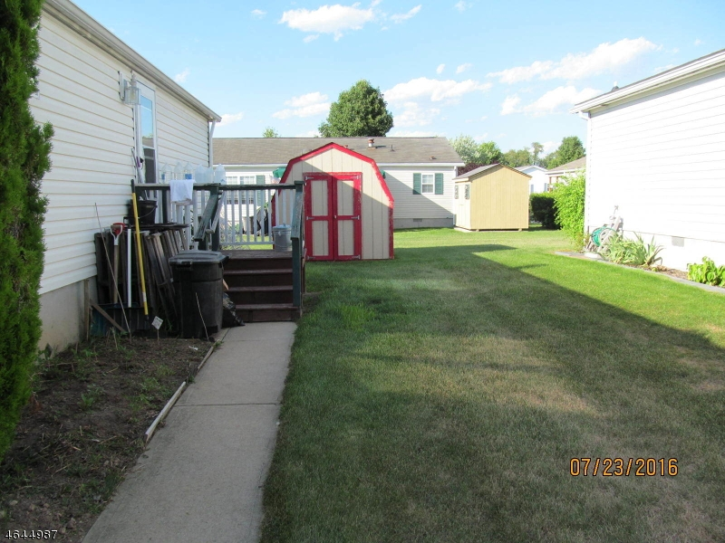 Additional photo for property listing at 12 Willow Drive  Belvidere, Нью-Джерси 07823 Соединенные Штаты