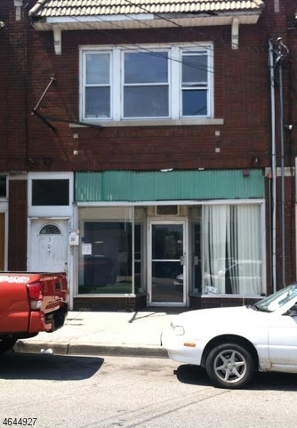 Commercial for Sale at 307 N 8th Street Haledon, New Jersey 07508 United States