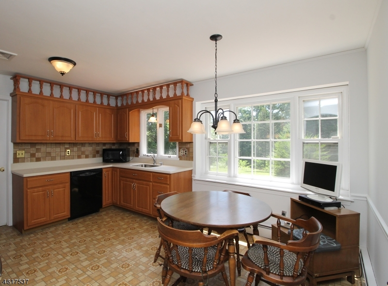 Additional photo for property listing at 6 Ironia Road  Chester, Nueva Jersey 07930 Estados Unidos