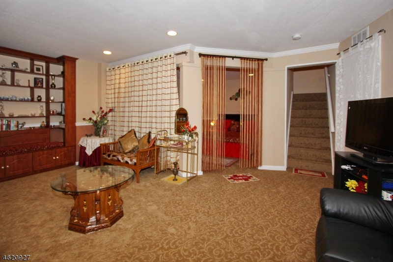 Additional photo for property listing at 1504 Pinhorn Drive  布里奇沃特, 新泽西州 08807 美国