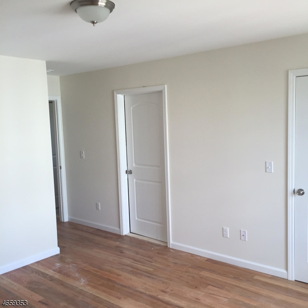 Additional photo for property listing at 28 Florida Street  Elizabeth, Nueva Jersey 07206 Estados Unidos