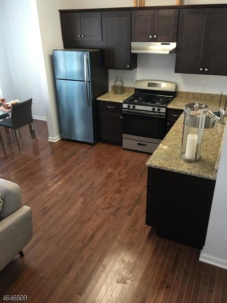 Additional photo for property listing at 10 Orange Street  Bloomfield, Nueva Jersey 07003 Estados Unidos