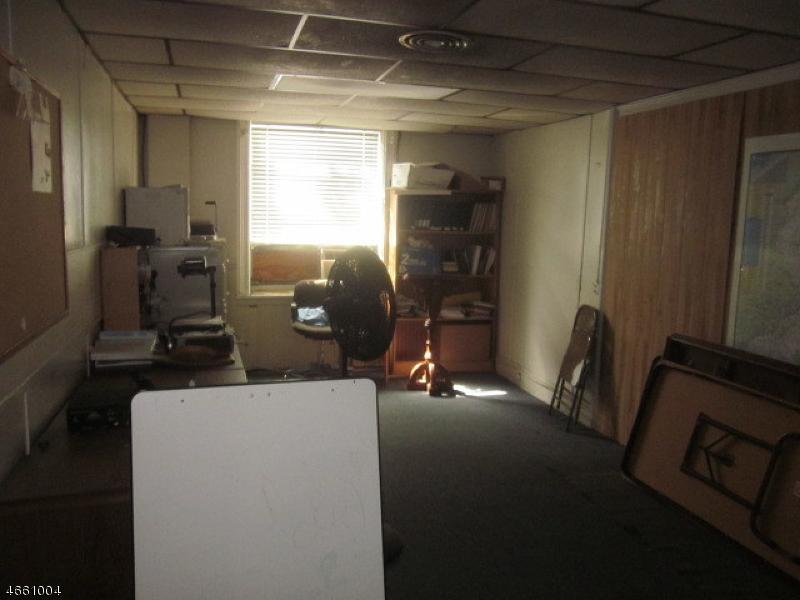 Additional photo for property listing at 466 W Grand Avenue  Rahway, Нью-Джерси 07065 Соединенные Штаты