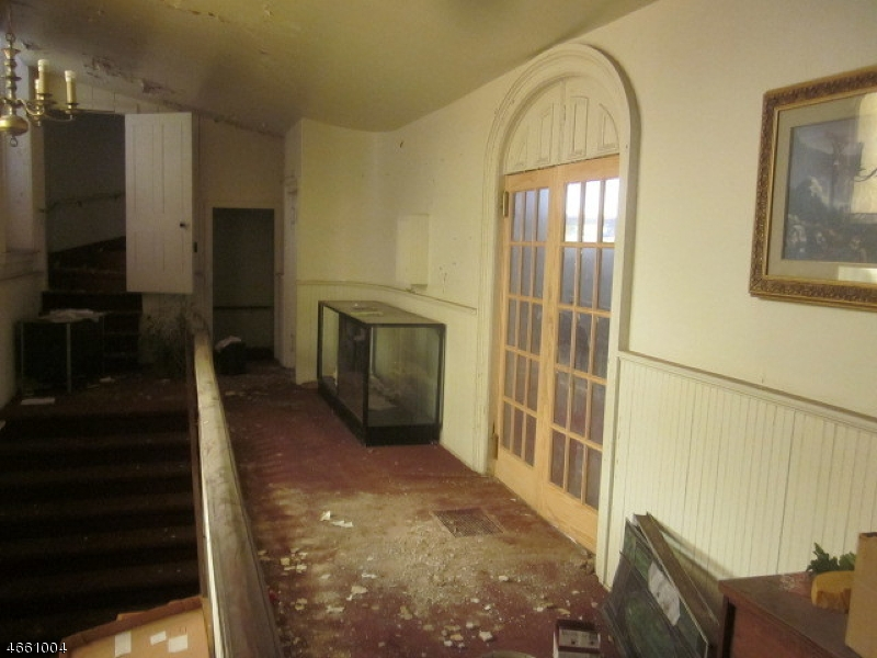 Additional photo for property listing at 466 W Grand Avenue  Rahway, Nueva Jersey 07065 Estados Unidos