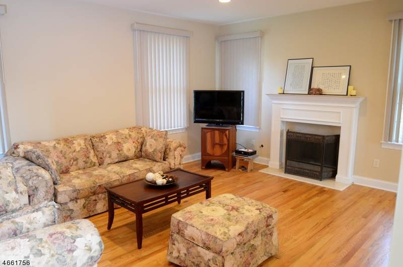 Additional photo for property listing at 11 Homestead Avenue  East Hanover, Nueva Jersey 07936 Estados Unidos