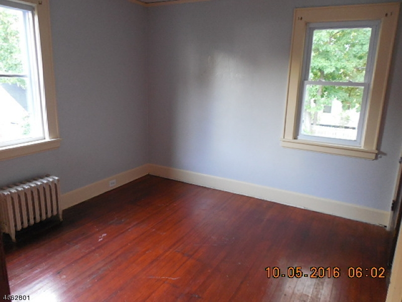 Additional photo for property listing at 25-27 LONGFELLOW Avenue  Newark, New Jersey 07106 United States