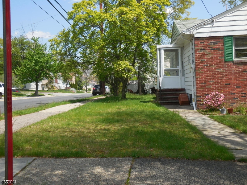 Additional photo for property listing at 250-252 MAITLAND Avenue  Paterson, New Jersey 07502 United States