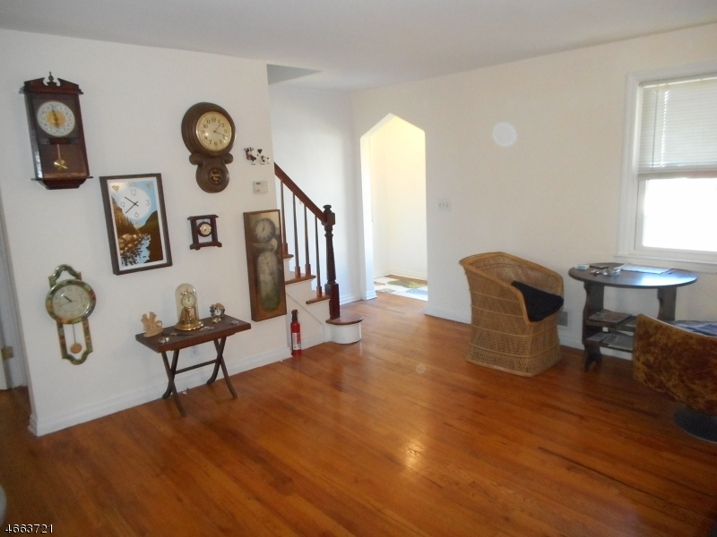 Additional photo for property listing at 150 Falmouth Avenue  Elmwood Park, Nueva Jersey 07407 Estados Unidos