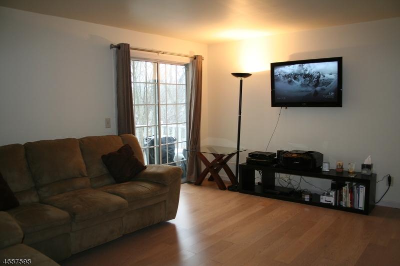 Частный односемейный дом для того Аренда на 901 Tuliptree Court Mahwah, Нью-Джерси 07430 Соединенные Штаты