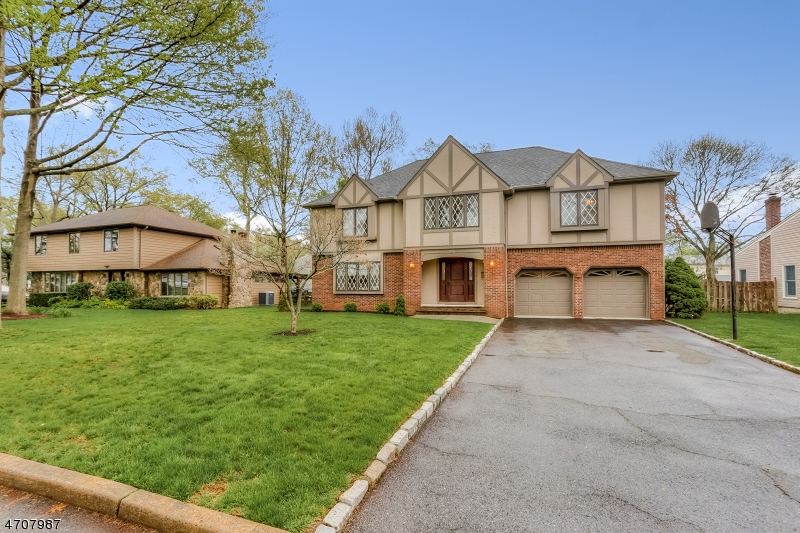 独户住宅 为 销售 在 195 Stoughton Avenue 克兰弗德, 07016 美国