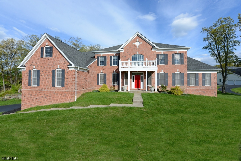 Single Family Home for Sale at 3 Crown View Court Sparta, 07871 United States