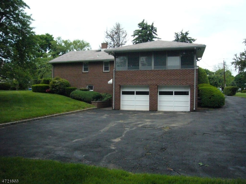 Additional photo for property listing at 7 Sunnyside Lane 7 Sunnyside Lane Hillsborough, New Jersey 08844 United States