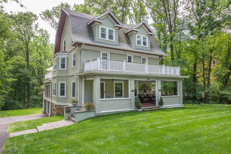 独户住宅 为 销售 在 280 Morris Avenue Mountain Lakes, 新泽西州 07046 美国