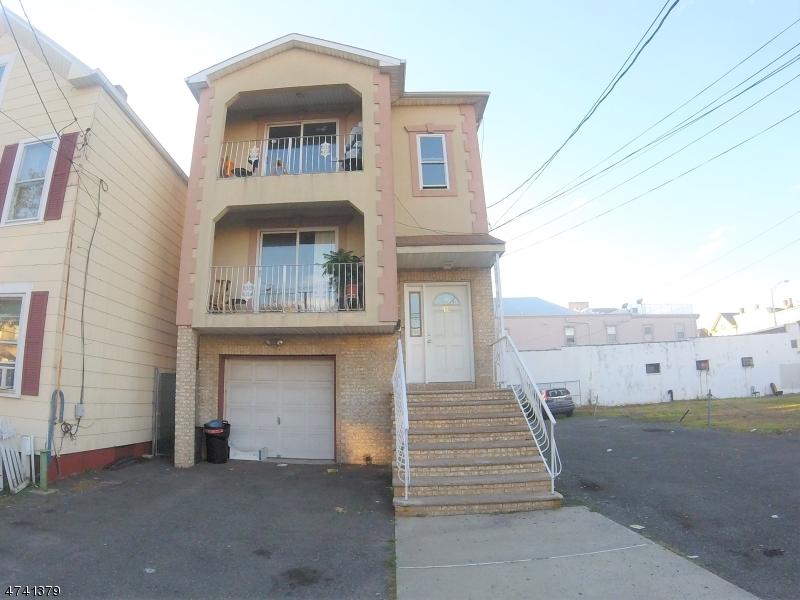 Vivienda multifamiliar por un Venta en 16 5th Street Elizabeth, Nueva Jersey 07206 Estados Unidos