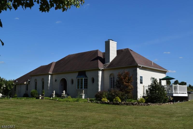 独户住宅 为 销售 在 569 Woolf Road 米尔福德, 新泽西州 08848 美国