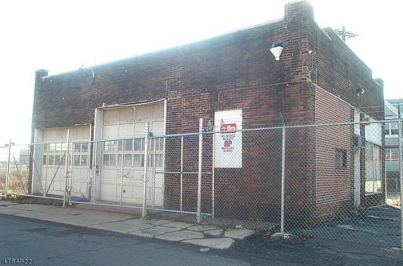 Comercial por un Venta en 870-878 East Grand Street Elizabeth, Nueva Jersey 07201 Estados Unidos