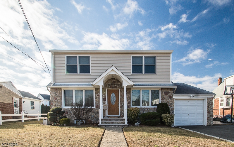 Single Family Home for Sale at 515 Avon Lane Saddle Brook, New Jersey 07663 United States