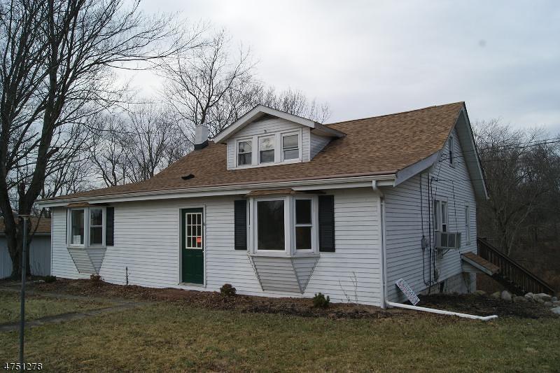 Maison unifamiliale pour l Vente à 115 Rick Road Milford, New Jersey 08848 États-Unis