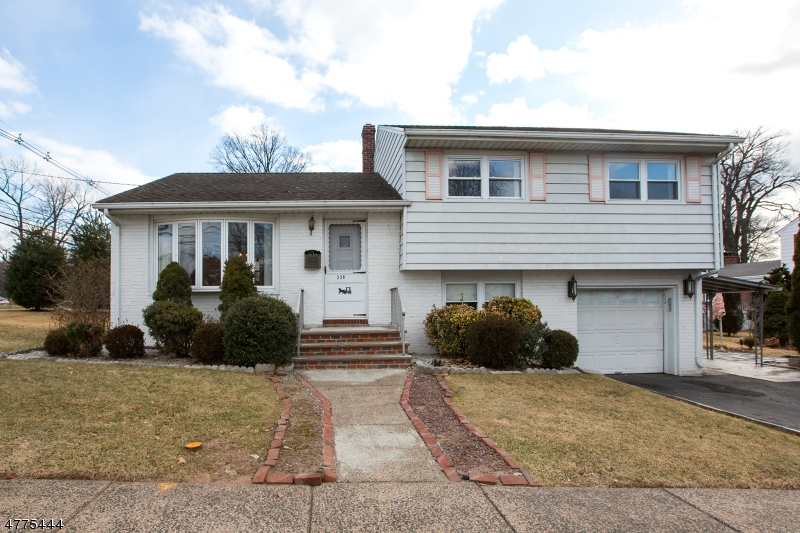 Single Family Home for Sale at 220 Elmwood Drive Elmwood Park, New Jersey 07407 United States