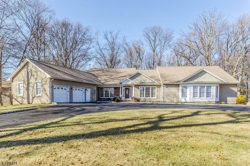 独户住宅 为 销售 在 275 S Plainfield Avenue 南普莱恩菲尔德, 新泽西州 07080 美国