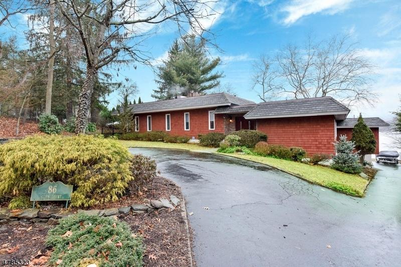 Maison unifamiliale pour l Vente à 86 Glen Court Pompton Lakes, New Jersey 07442 États-Unis