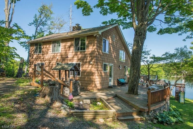 独户住宅 为 销售 在 16 Witte Road 西米尔福德, 新泽西州 07421 美国