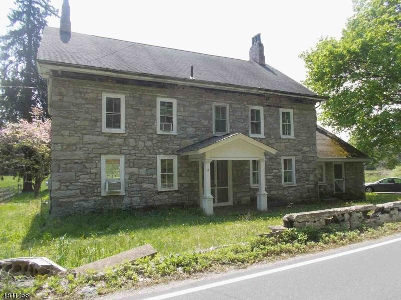Частный односемейный дом для того Продажа на 916 MAPLE Avenue Stillwater, Нью-Джерси 07860 Соединенные Штаты
