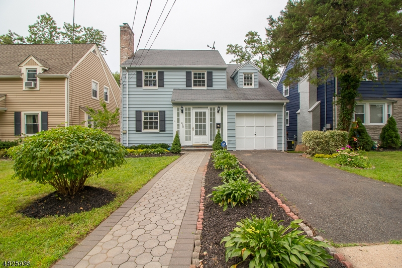 Maison unifamiliale pour l Vente à 450 TREMONT Place Orange, New Jersey 07050 États-Unis