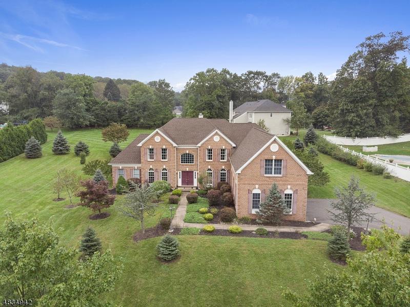 Maison unifamiliale pour l Vente à 7 SOUTHWIND Drive Mount Olive, New Jersey 07836 États-Unis