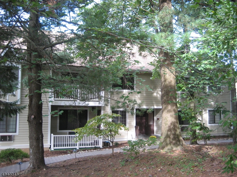 Condo / Townhouse for Sale at 14 FOXWOOD Drive Morris Plains, New Jersey 07950 United States