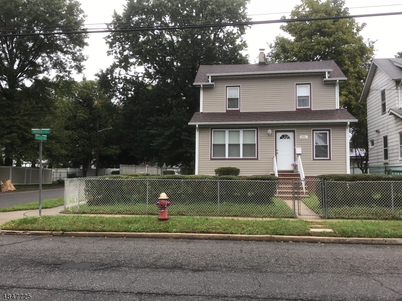 Single Family Home for Sale at 1001 WARREN STREET Roselle, New Jersey 07203 United States
