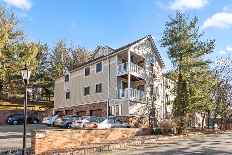 Condo / Townhouse for Sale at 16 FOXWOOD Drive Morris Plains, New Jersey 07950 United States
