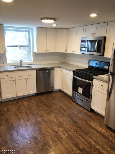 Частный односемейный дом для того Продажа на 831 OXFORD Street Belvidere, Нью-Джерси 07823 Соединенные Штаты