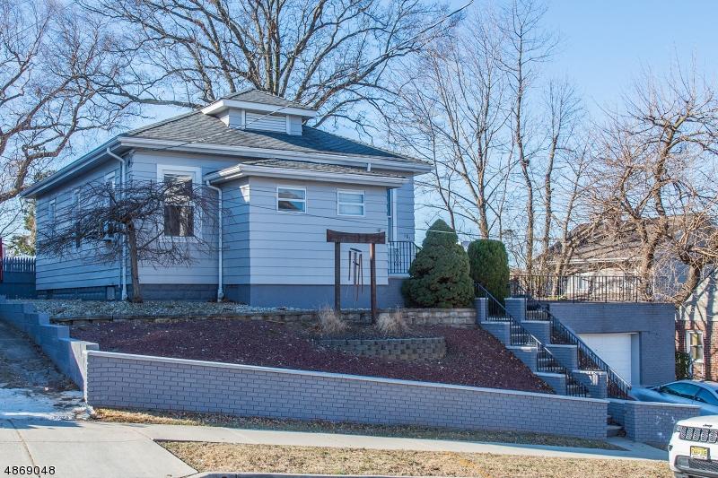 Частный односемейный дом для того Продажа на 181 SUNSET Avenue North Arlington, Нью-Джерси 07031 Соединенные Штаты