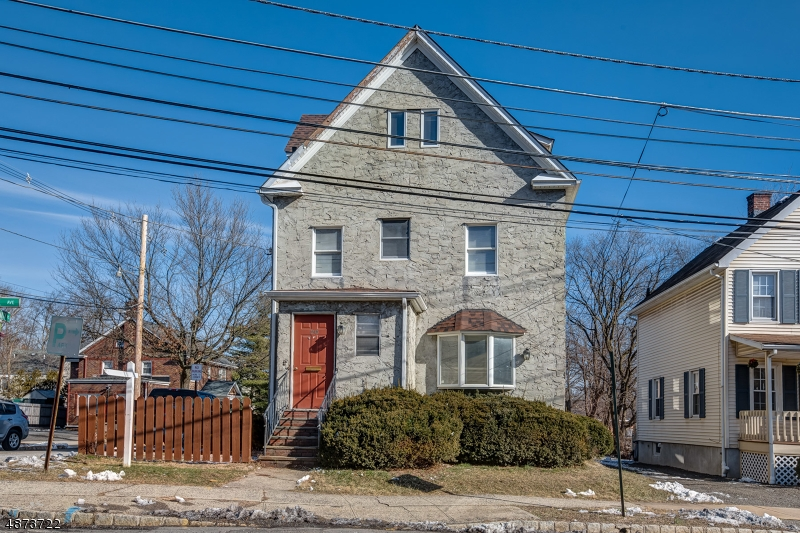 Villas / Townhouses for Sale at 20 Cook Avenue 20 Cook Avenue Madison, New Jersey 07940 United States
