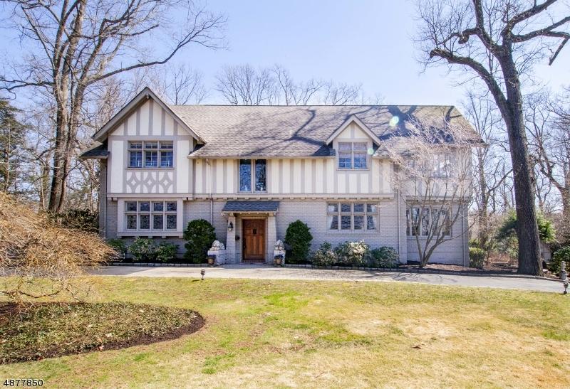 独户住宅 为 销售 在 77 RENSSELAER Road Essex Fells, 新泽西州 07021 美国