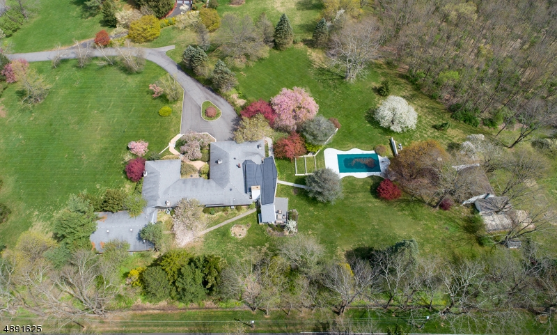 Single Family Home for Sale at Mendham, New Jersey 07960 United States