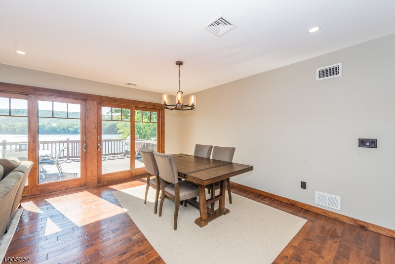 Additional photo for property listing at  West Milford, 新澤西州 07421 美國