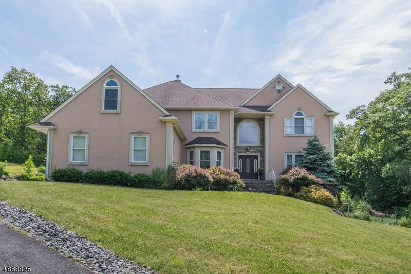 Single Family Homes для того Продажа на Hardyston, Нью-Джерси 07460 Соединенные Штаты