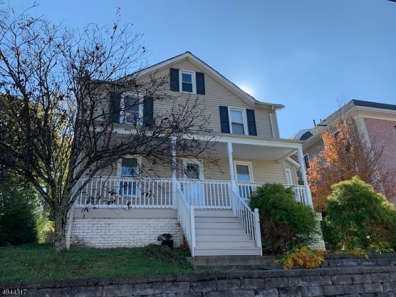 Multi-Family Homes للـ Sale في Caldwell, New Jersey 07006 United States