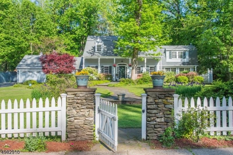 Single Family Homes 为 销售 在 维罗纳, 新泽西州 07044 美国