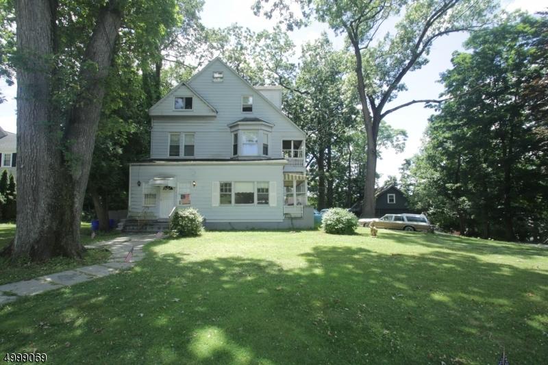 Multi-Family Homes pour l Vente à Caldwell, New Jersey 07006 États-Unis