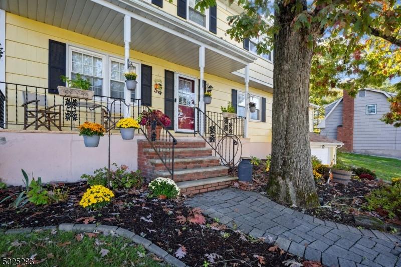 Single Family Homes 為 出售 在 Butler, 新澤西州 07405 美國