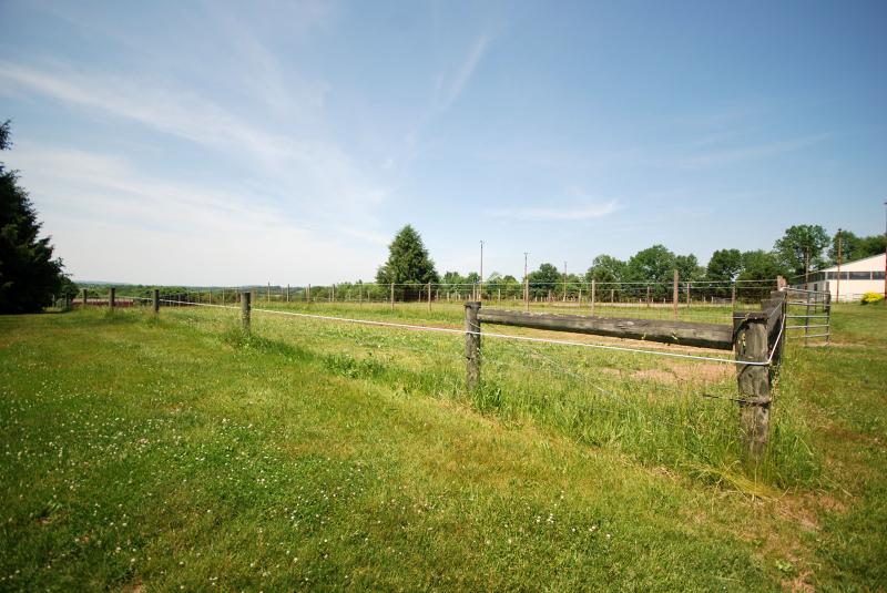 Additional photo for property listing at 22 Welisewitz Road  Ringoes, Нью-Джерси 08551 Соединенные Штаты