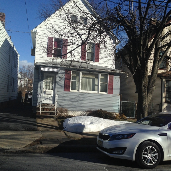 Casa Unifamiliar por un Venta en 69 Clinton Street Bloomfield, Nueva Jersey 07003 Estados Unidos