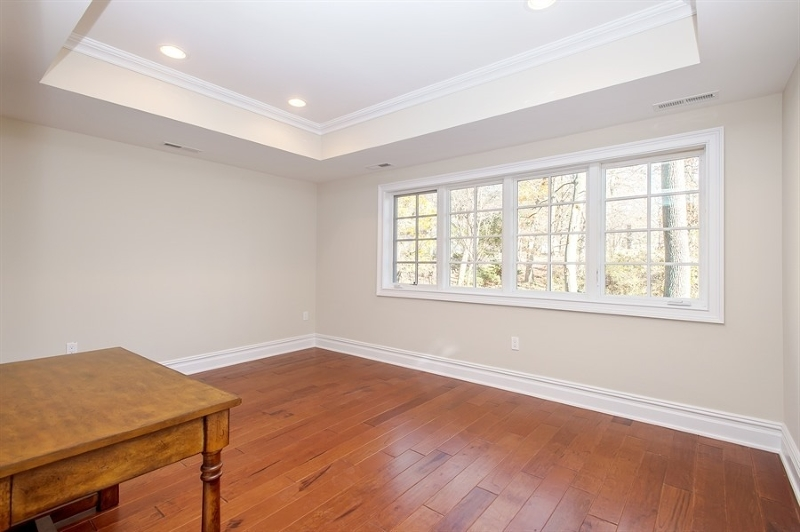 Additional photo for property listing at 9 Schmidt Circle  Watchung, New Jersey 07069 United States